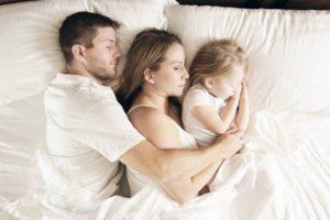 Комфортный, здоровый сон или как правильно выбрать матрас для взрослого и ребенка