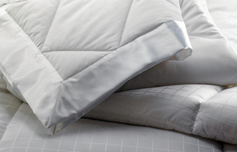 Секреты правильного выбора одеяла: основные критерии и рекомендации специалистов