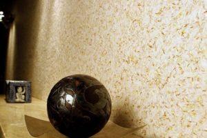 Как наносить жидкие обои (шелковую штукатурку) на стены своими руками?